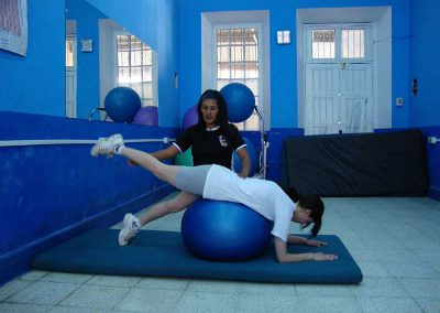 gimnasio-ejercicio-pelota