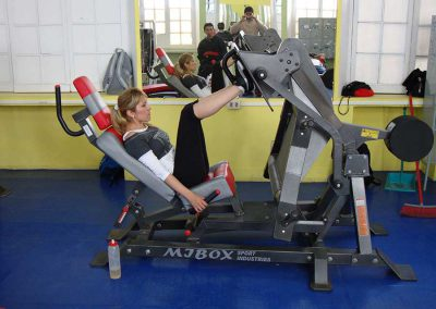 gimnasio-maquina-piernas